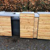 Holzverkleidete Müllboxen